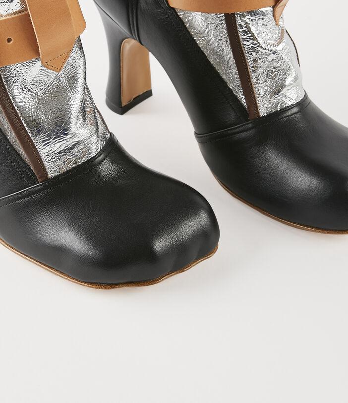 Bondage Boots Silver 3