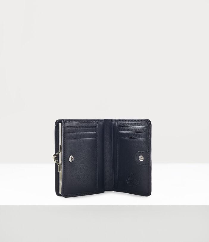Chelsea Wallet With Frame Pocket Black 3