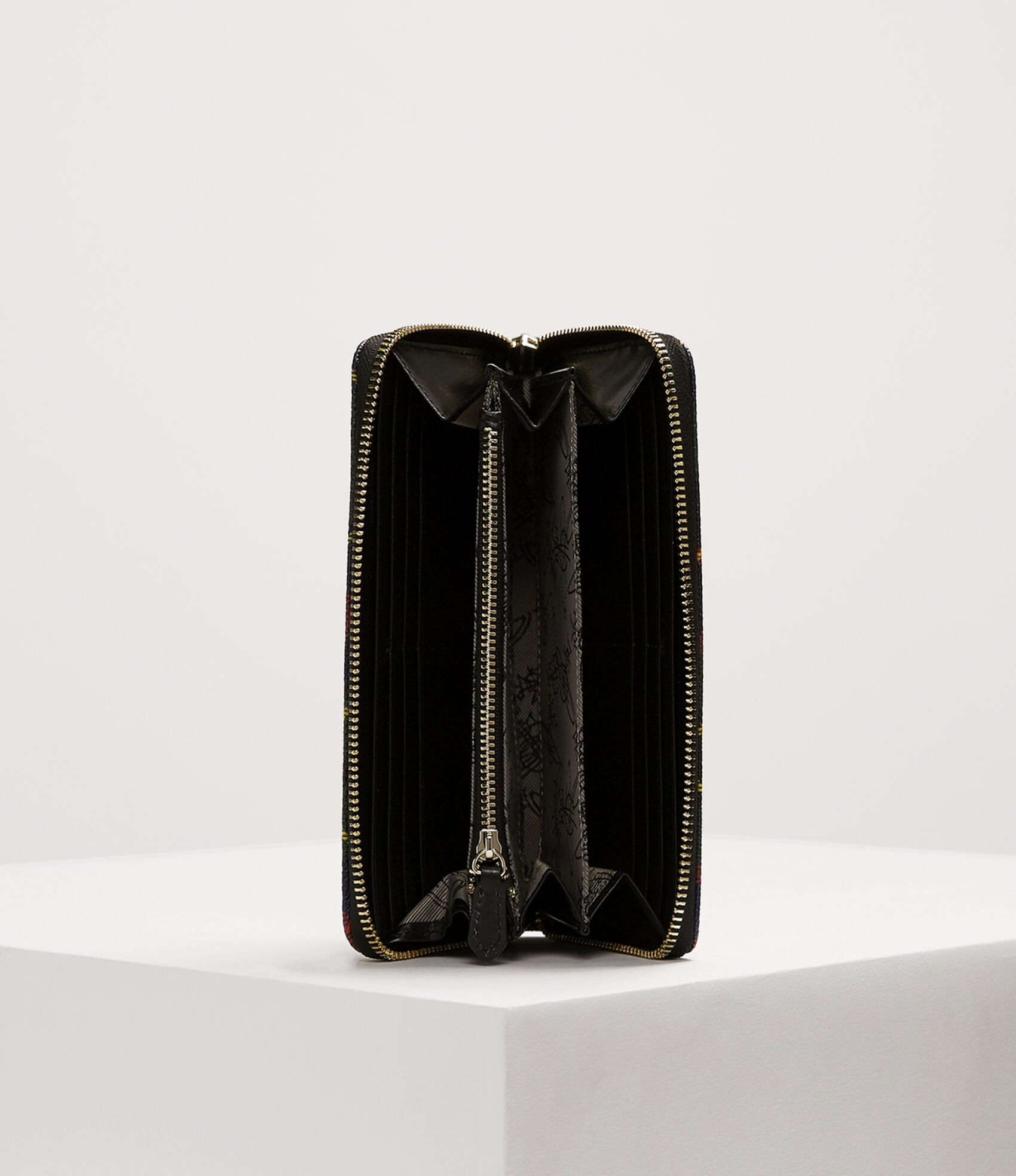 d2e98336252 Vivienne Westwood Women's Designer Wallets and Purses   Vivienne Westwood -  Derby Classic Zip Round Wallet Hunting Tartan