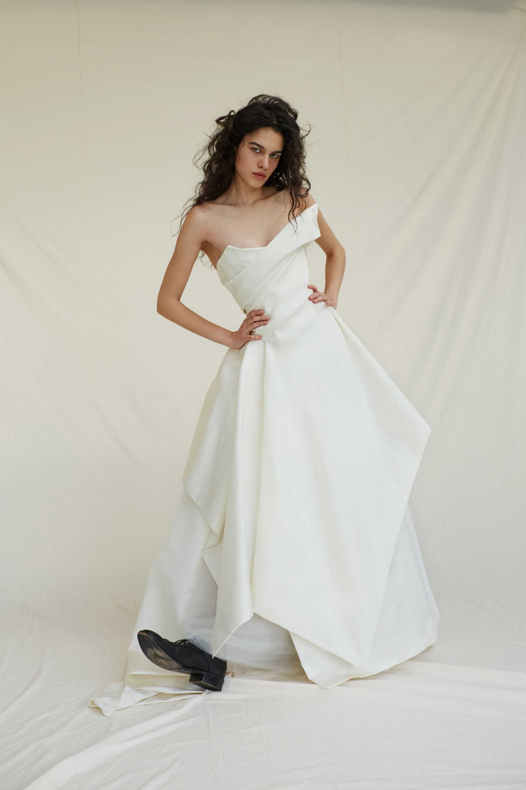 Fashion Fair World: vivienne westwood wedding dress